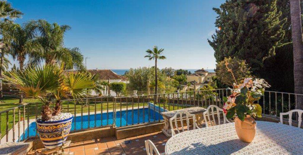 Villa Valle de Flores - zwembad uitzicht